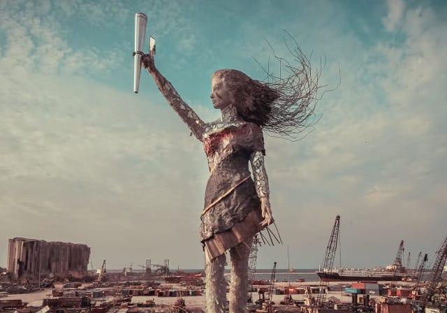 Beyrut Patlamasında Toplanan Cam Kırıkları Sanat Eserine Dönüştü! | Yazan Fulden Karayel