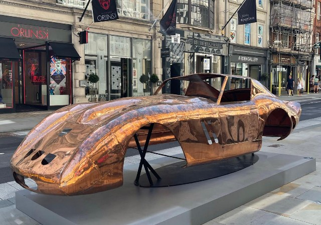 Londra'da Sanatın İzini Süren Mayfair Sculpture Trail | Yazan Nurdan Ateş