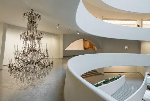 Guggenheim Müzesi'nde Danh Vo'dan Nefes Kesen Bir Sergi | Yazan Selen Sarıoğlu