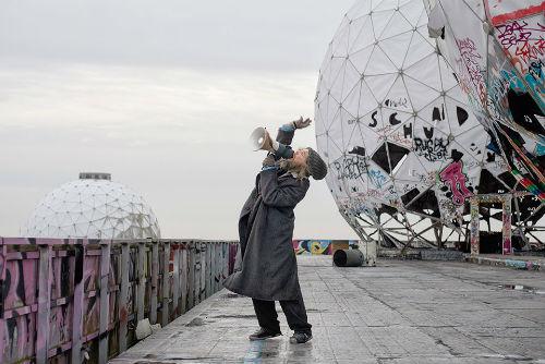 Julian Rosefeldt'in Sanata Başkaldırısı | Yazan Ayşe Kırca