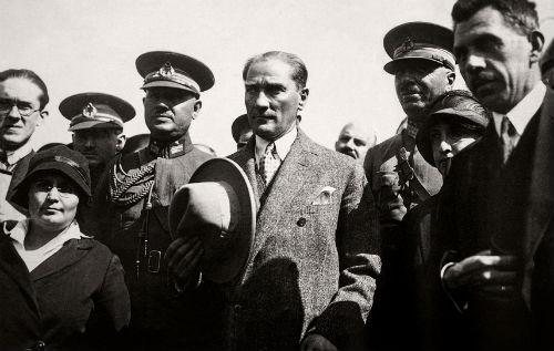 En Kapsamlı Atatürk Sergisi, İzmir'de | ARTtvNews