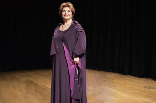 Dilek Türker'den Yeni Tiyatro Oyunu Aşk Kalıcıdır | ARTtvNews