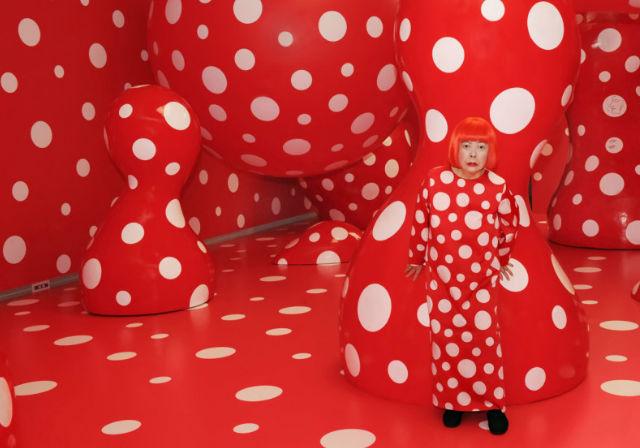 Yayoi Kusama'nın Garip ve Renkli Dünyası | Yazan Yasemen Çavuşoğlu